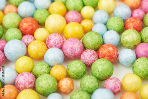 Fotobehang Bol Surface coated with colorful balls