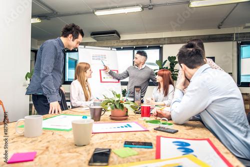 Papiers peints Kiev Brainstorming in a startup office