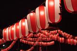 Japanese festival paper lanterns at night 夏祭りの提灯 - 187985283