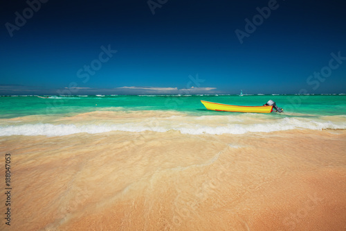 Carribean sea and boat on the shore, beautiful panoramic view - 188047053