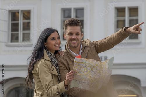 couple on a city break - 188073695