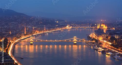 Papiers peints Budapest Danube river and Szechenyi bridge at Budapest night view