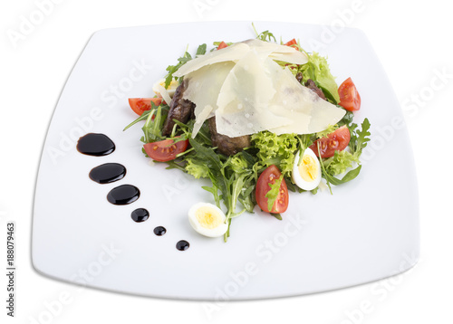 Foto Murales Chicken liver salad with cherry tomatoes.