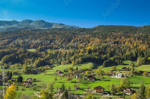 Fotobehang Pistache Montagne en automne