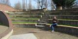 Relax al parco col cellulare in inverno - 188120249