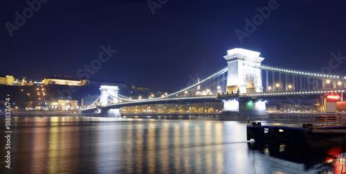 Papiers peints Budapest Budapest River Danube nightscape