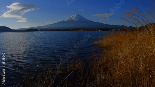 Poster Mount Fuji in January from Lake