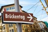 Schild 223 - Brückentag