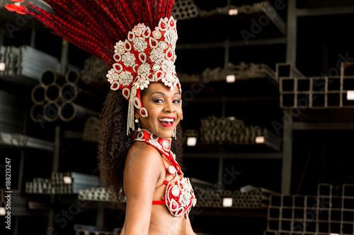 Papiers peints Rio de Janeiro Brazilian Woman Celebrating Carnaval