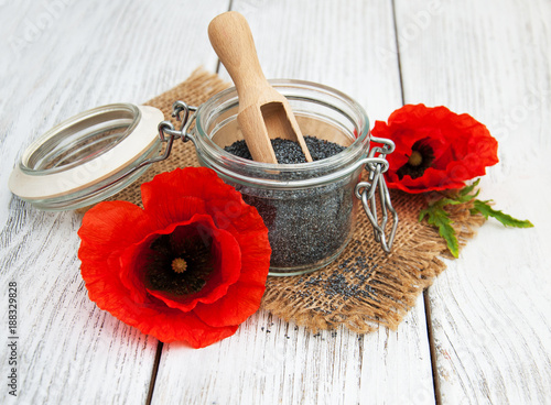Poppy seeds and flowers - 188329828