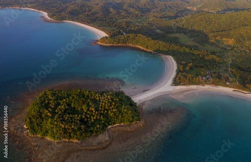 Foto Murales Beautiful aerial view of Pantai beach in Kudat, Malaysia