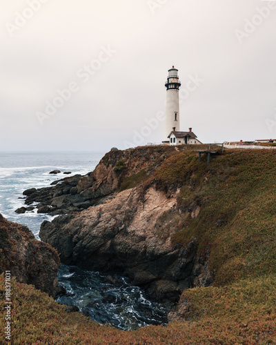 Foto Murales Lighthouse at the California coastline