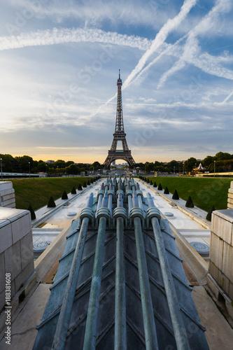 Paris, Trocadéro, Tour Eiffel - 188381608