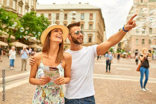 Papiers peints Budapest Young tourist couple