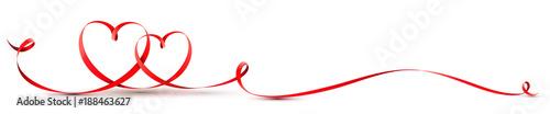 Herz Schleife - Rotes geschwungenes Band mit zwei Herzen