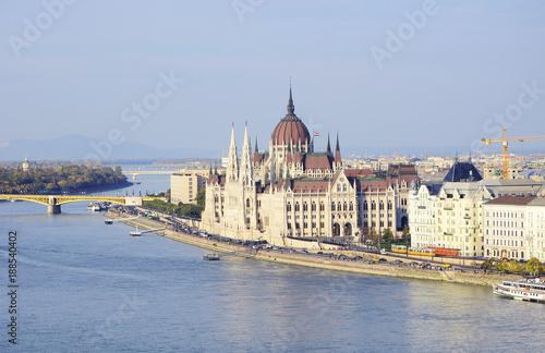 Papiers peints Budapest view of parliament