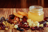 Сухофрукты с медом