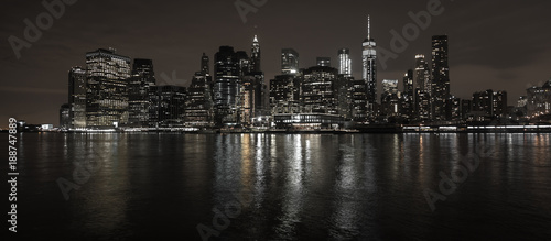 New York City Skyline bei Nacht - 188747889