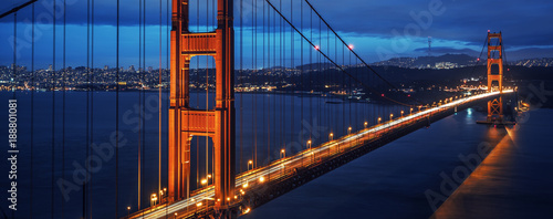 Fotobehang San Francisco View of famous Golden Gate bridge by night