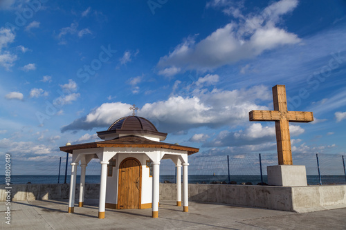 Staande foto Rome Chapel and big cross on the port in Pomorie city