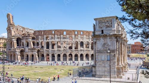 Le Colisée et l'Arc de Constantin à Rome