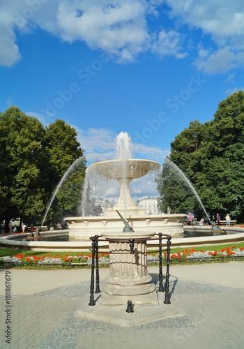 Poster Oceanië Fountain in the Saxon Garden in Warsaw