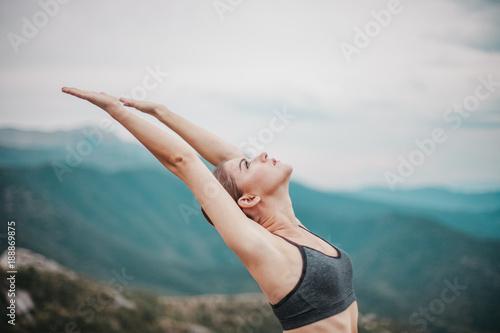 Fotobehang School de yoga Fit young girl practicing yoga