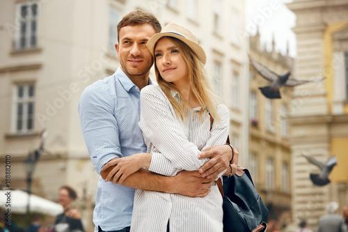 moja-dziewczyna-i-ja,-spacer,-para-zakochanych