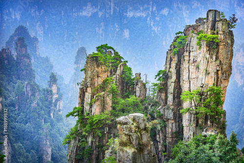krajobraz-zhangjiajie-w-wulingyuan-scenic-and-historic-interest-area,-chiny