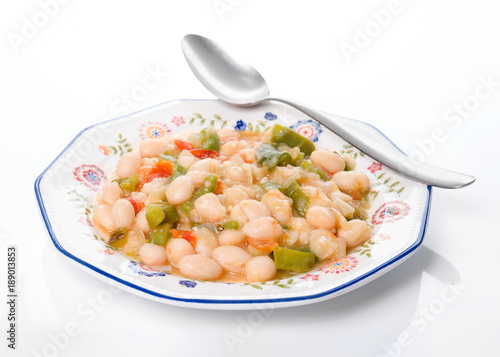 """Beans """"pochas"""" cooked at home, typical of Navarra, Spain"""