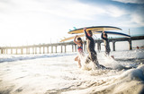 Surfers - 189027898