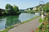 Vezillon, Normandia, Francia, paese sulla Senna