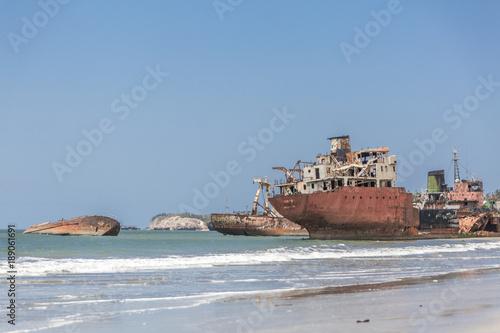 Keuken foto achterwand Schipbreuk ship cemetery in Luanda Angola