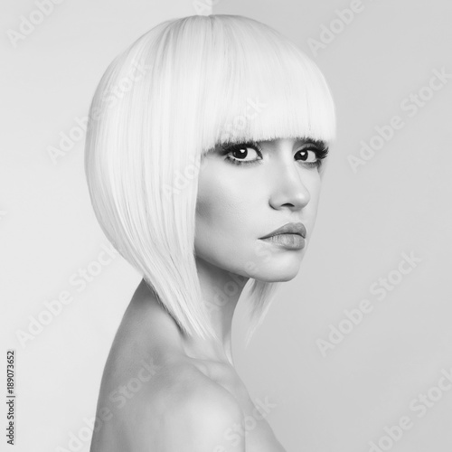 Fotobehang womenART Fashion beautiful blonde with short haircut