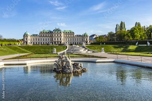 Poster Wenen Belvedere Palace in summer, Vienna, Austria