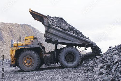 Truck mining vehicle