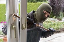 "Постер, картина, фотообои ""burglar at a window"""