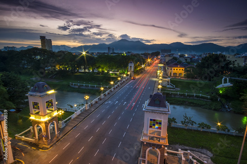 In de dag Nacht snelweg aerial view of Ipoh,Perak,Malaysia with beautiful sunset. Soft focus,motion blur due to long exposure