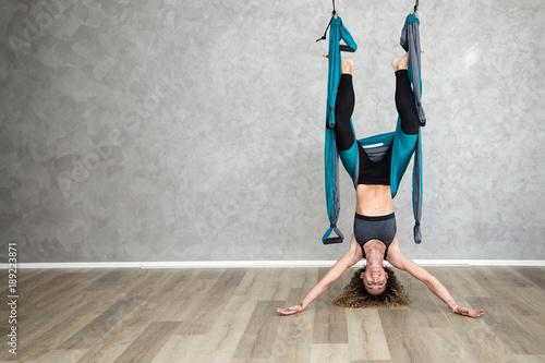 Obraz na płótnie Yoga in sospensione