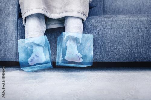 canvas print picture Eiskalte Füße