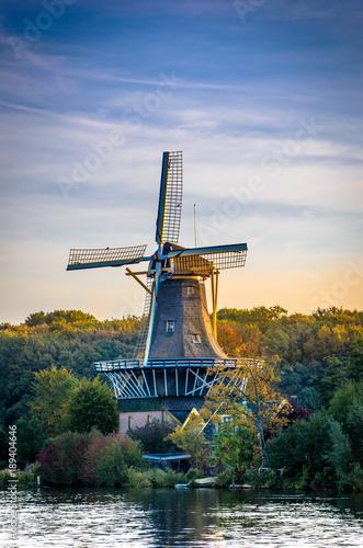 holenderski-wiatrak-kralingen-rotterdam-holandia