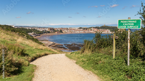 Aluminium Noordzee Footpath with view over Scarborough South Bay, North Yorkshire, UK