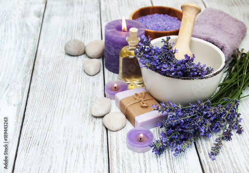 Fotobehang Spa Spa products and lavender flowers