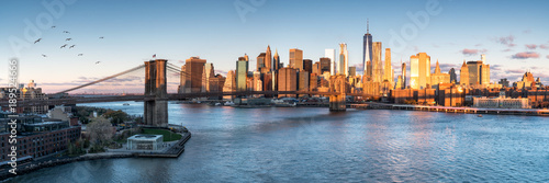 Foto Murales East River mit Blick auf Manhattan und die Brooklyn Bridge, New York, USA