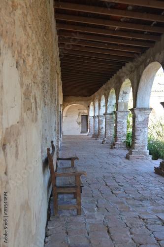 Papiers peints Ruelle etroite Mission San Juan Capistrano