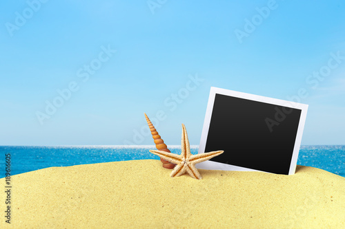 Keuken foto achterwand Natuur Beach composition with starfish and copy space