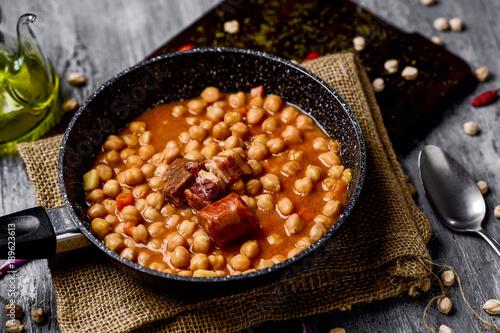 garbanzos a la riojana, a spanish chickpeas stew