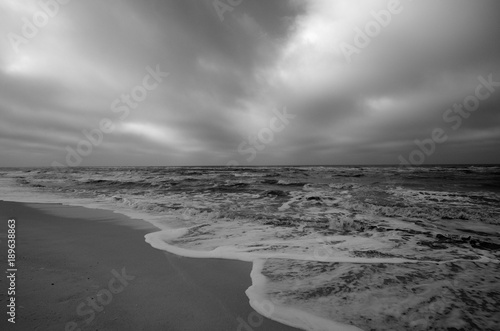 In de dag Noordzee Nordseewellen und dramatische Wolken am Weststrand auf Sylt