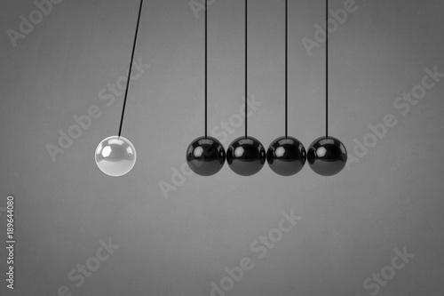 © PixlMakr - Fotolia.com Newton's cradle - Business concept