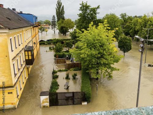 Fotobehang Rivier flood 2013, linz, austria